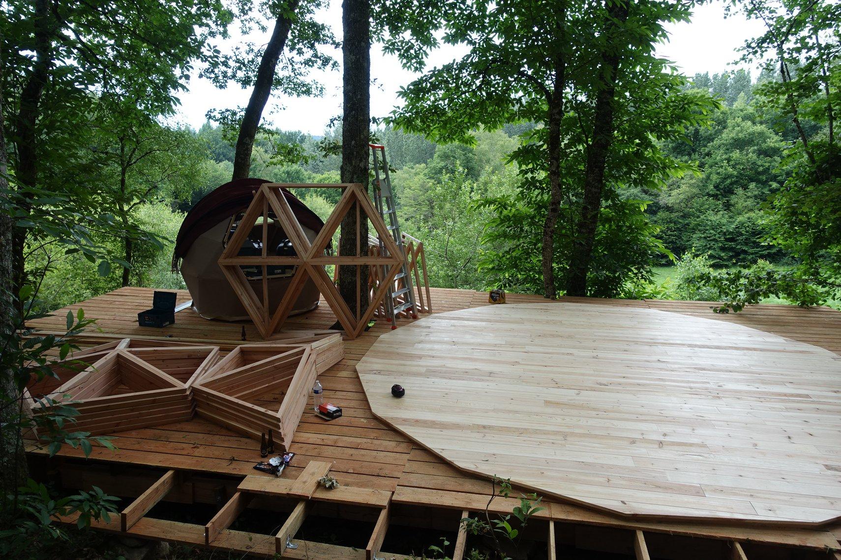 Préparation & montage du dôme pour la Ferme des histoires mélangées